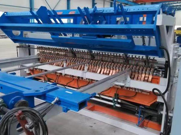 钢笆片焊网机